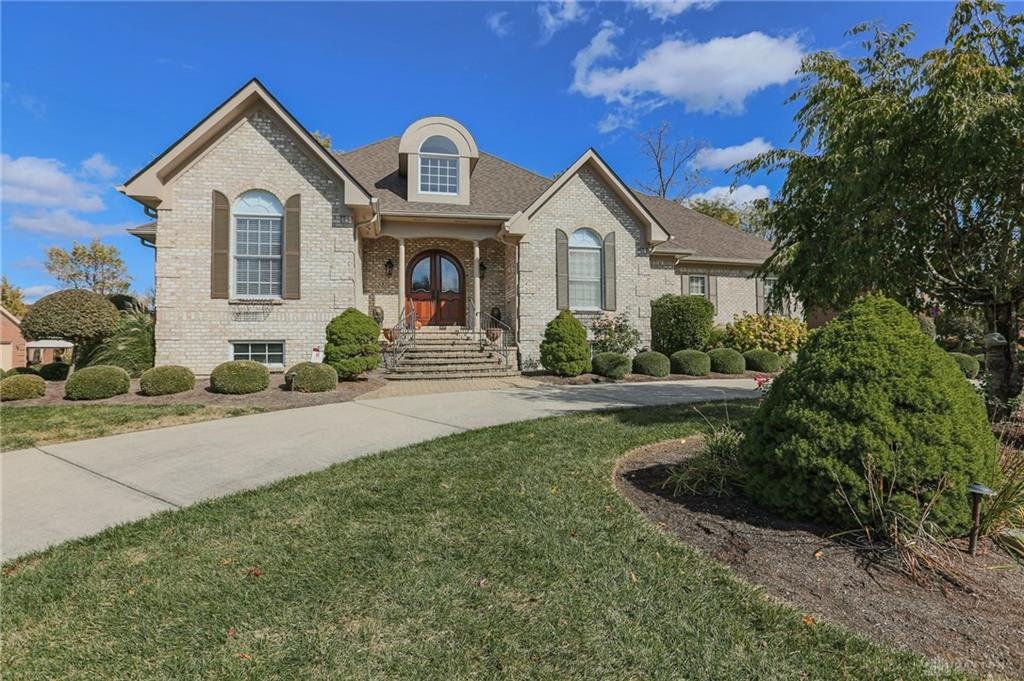 325 Yankee Trace Dr Centerville, OH