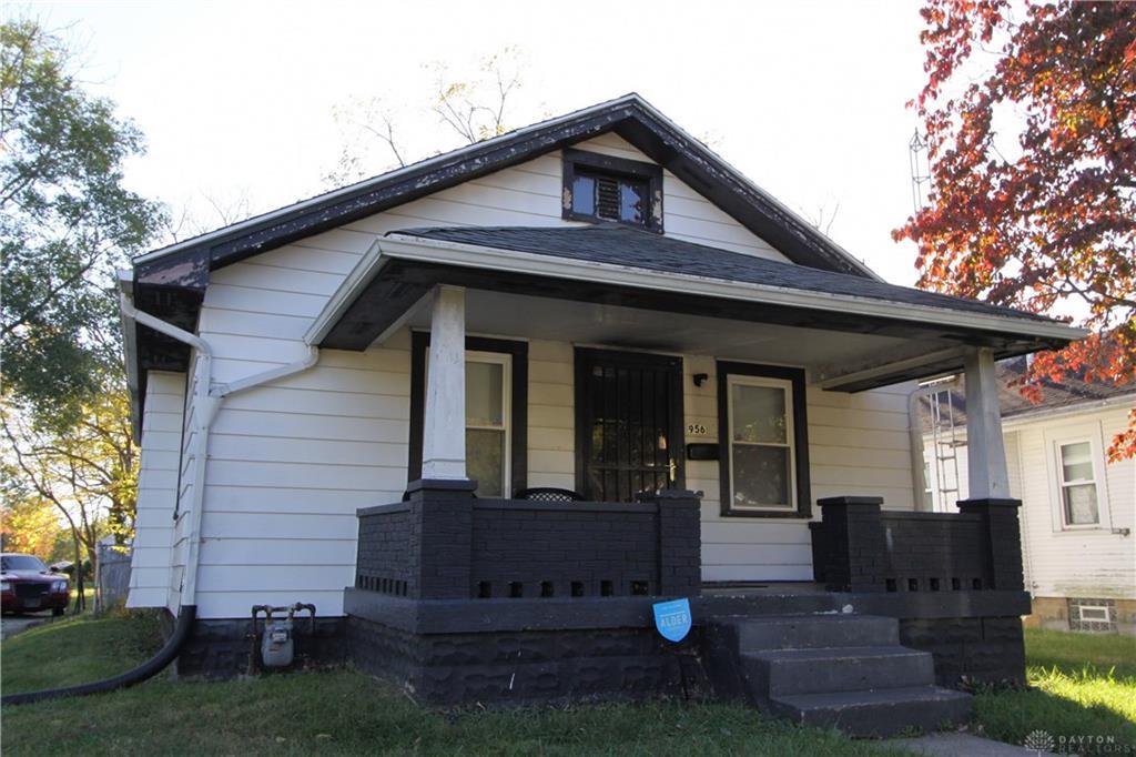 956 Walton Ave