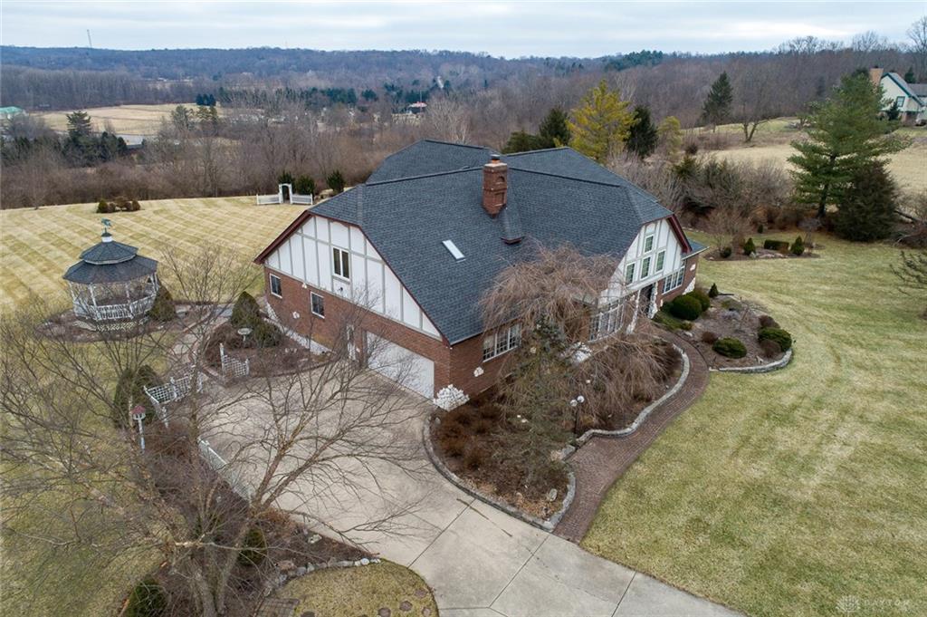 1704 River Ridge Dr Sugarcreek Township, OH