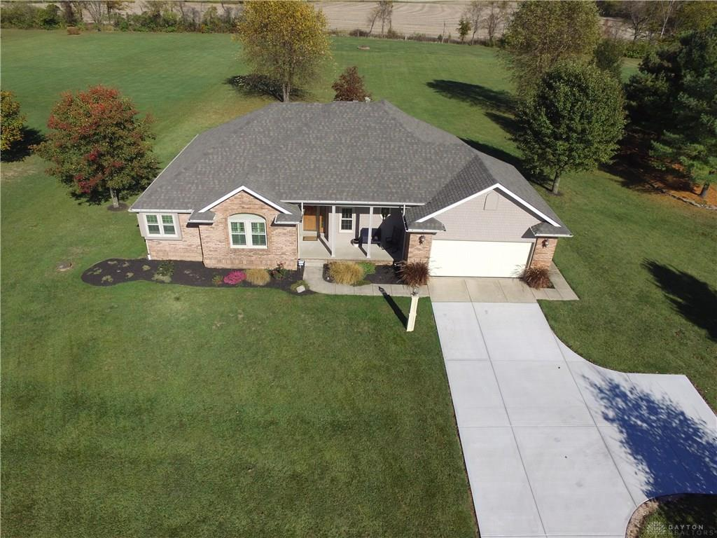 Photo 2 for 295 Leslie Dr Wilmington, OH 45177