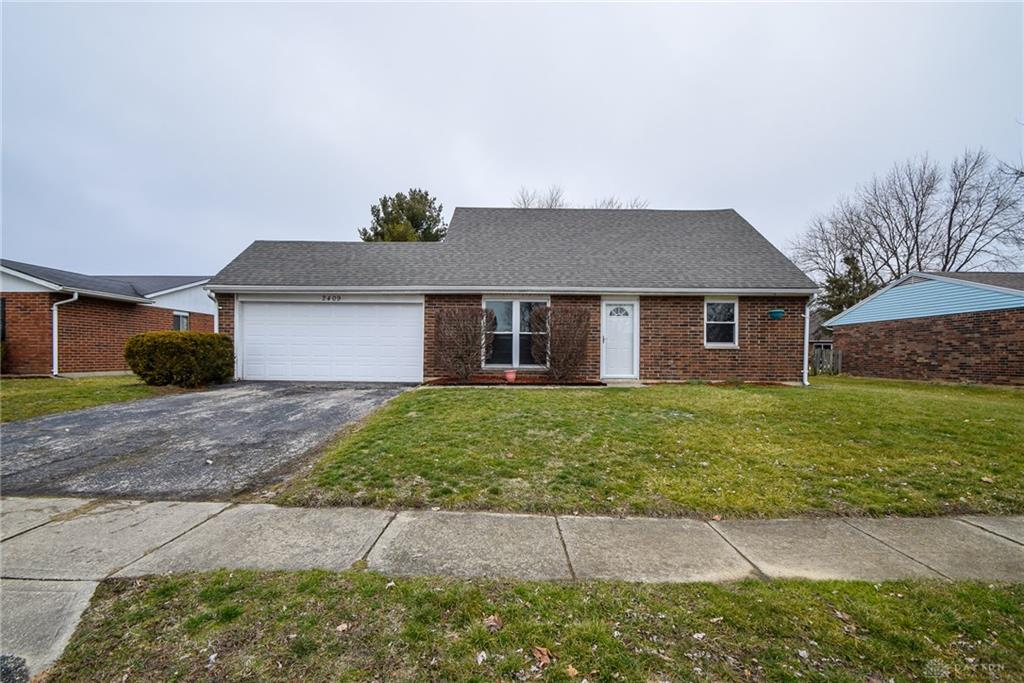 Photo 2 for 2409 Waterford Dr Troy, OH 45373