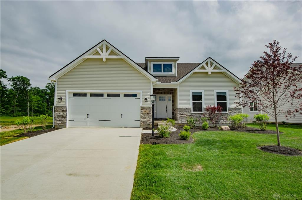 1124 Petrus Ct Clearcreek Township, OH