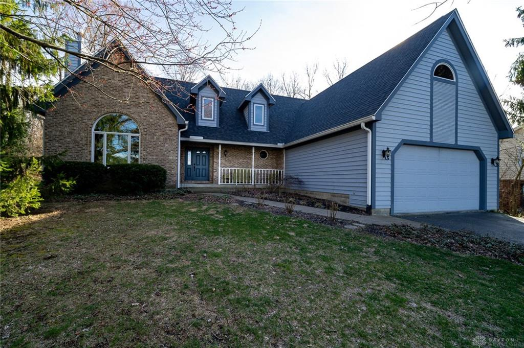 29 W Hunter Dr Enon, OH