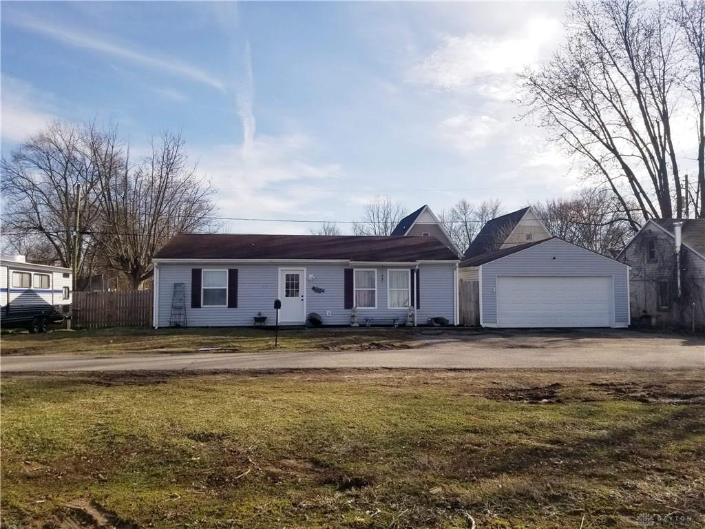 425 Tulip Rd Crystal Lakes, OH