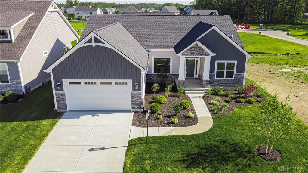 1136 Petrus Ct Clearcreek Township, OH