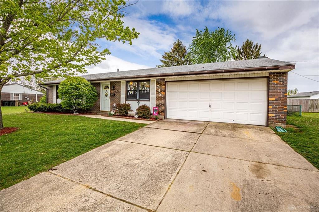 Photo 3 for 742 Heeter Dr New Lebanon, OH 45345