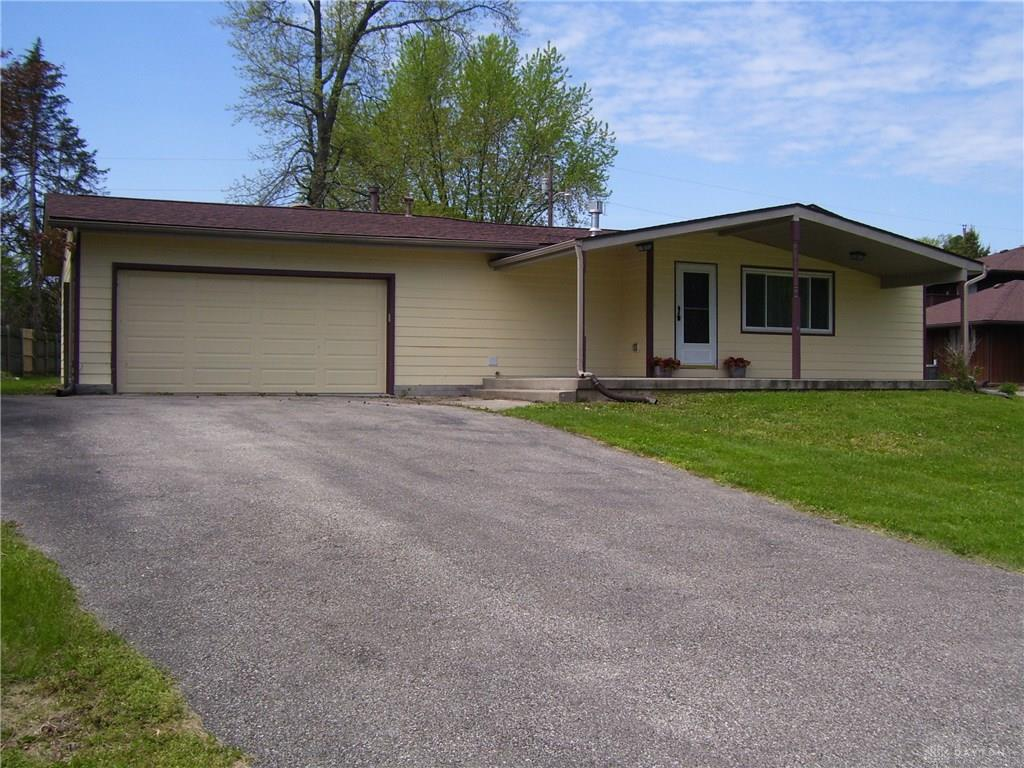 1081 Yellowstone Rd Xenia Oh 45385 Listing Details Mls 816279 Dayton Real Estate