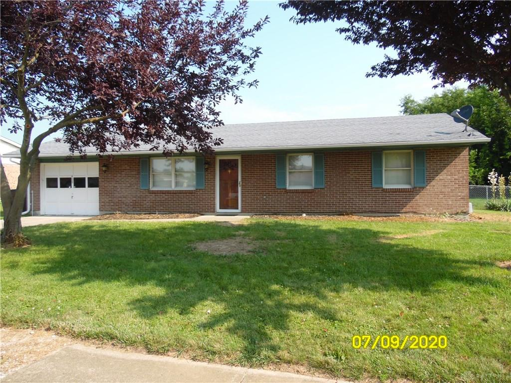 Photo 2 for 408 Chestnut Dr Eaton, OH 45320