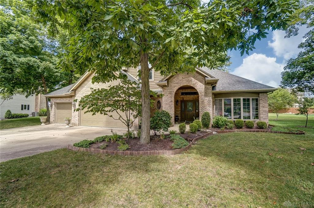 1003 Copperfield Ln Tipp City, OH