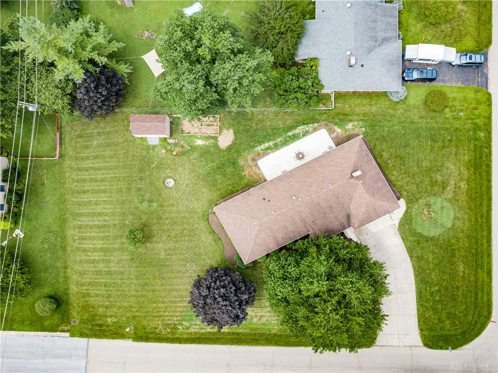 Photo 3 for 2171 Clearview Dr Bellbrook, OH 45305