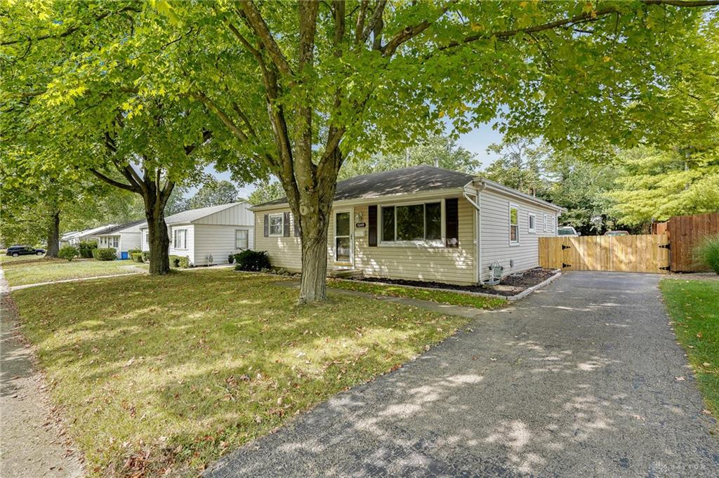 Photo 3 for 5249 Woodbine Ave Dayton, OH 45432