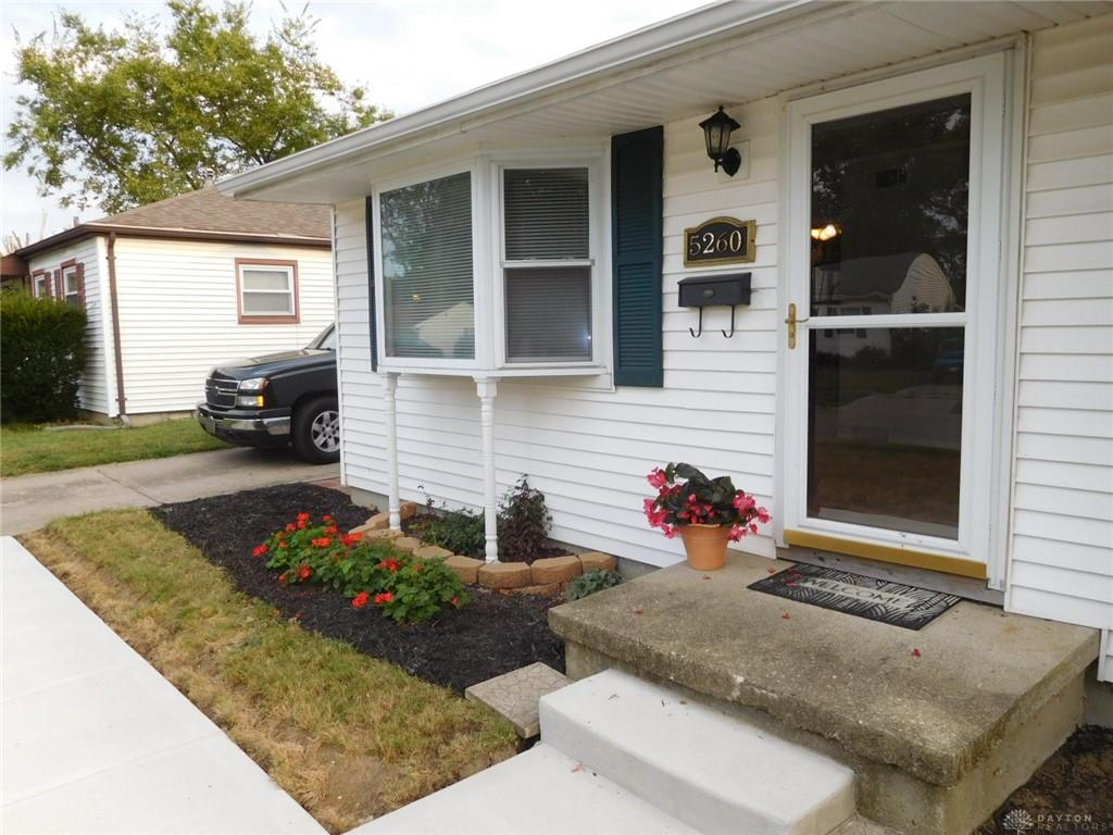 Photo 2 for 5260 Idlewood Rd Dayton, OH 45432