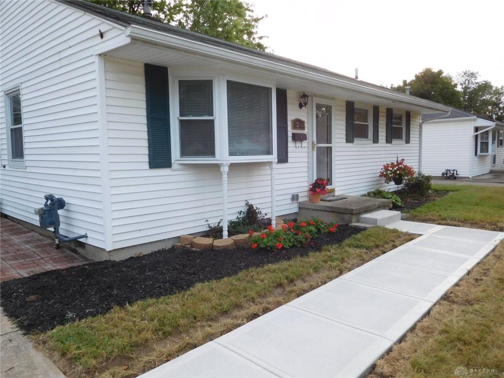 Photo 3 for 5260 Idlewood Rd Dayton, OH 45432