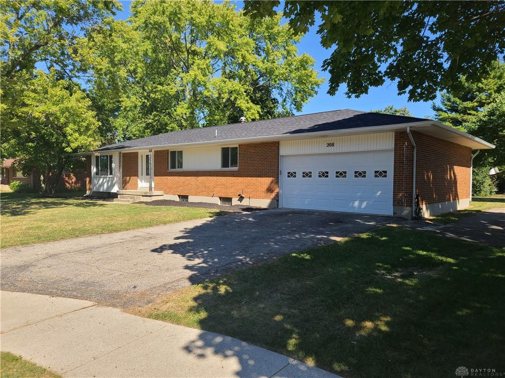 Photo 2 for 208 E Eppington Dr Trotwood, OH 45426