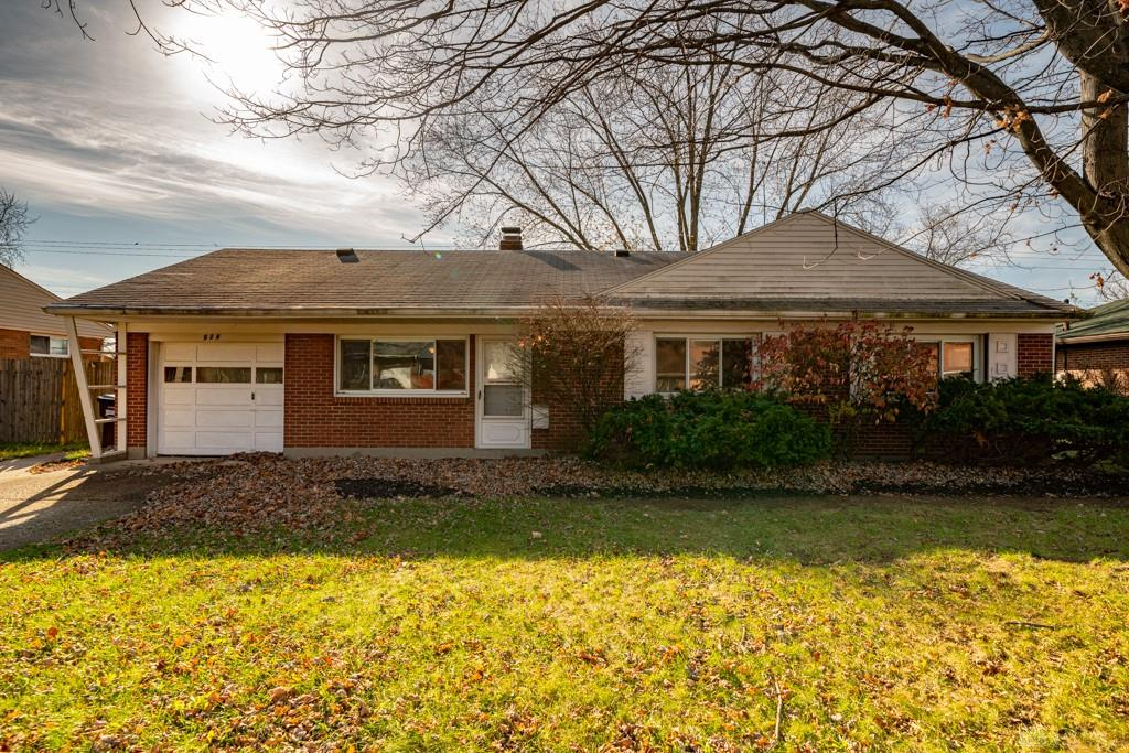 Photo 1 for 924 Hollendale Dr Kettering, OH 45429