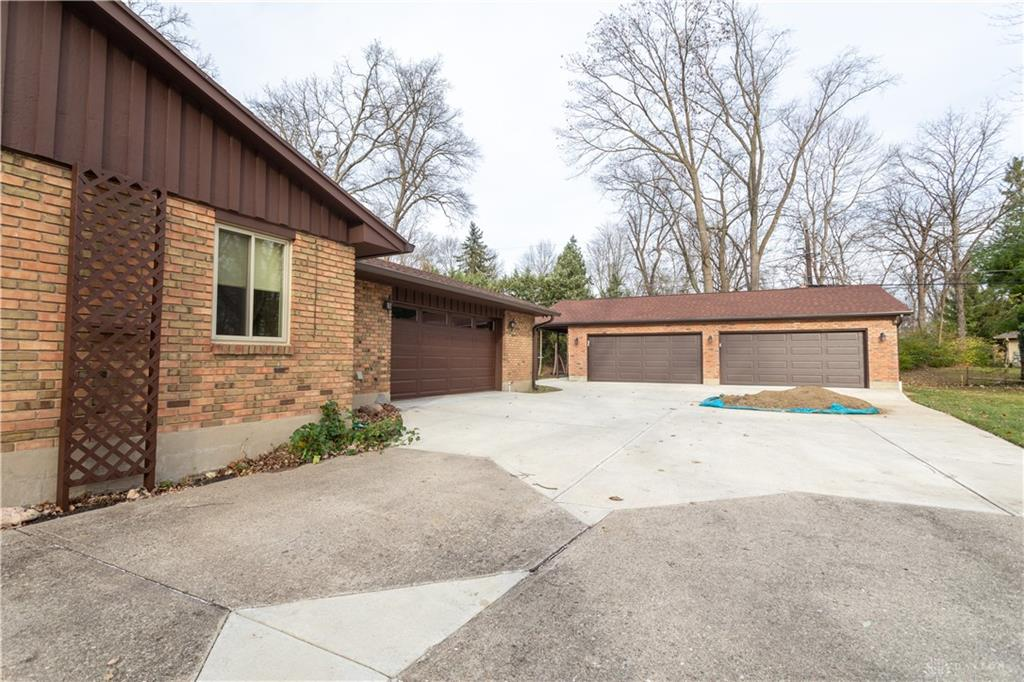 Photo 3 for 4724 Elzo Ln Kettering, OH 45440