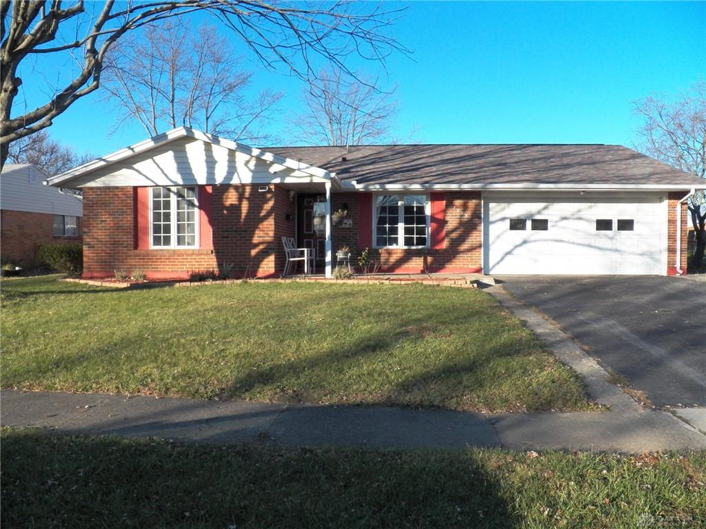 7083 Pineview Dr Huber Heights, OH