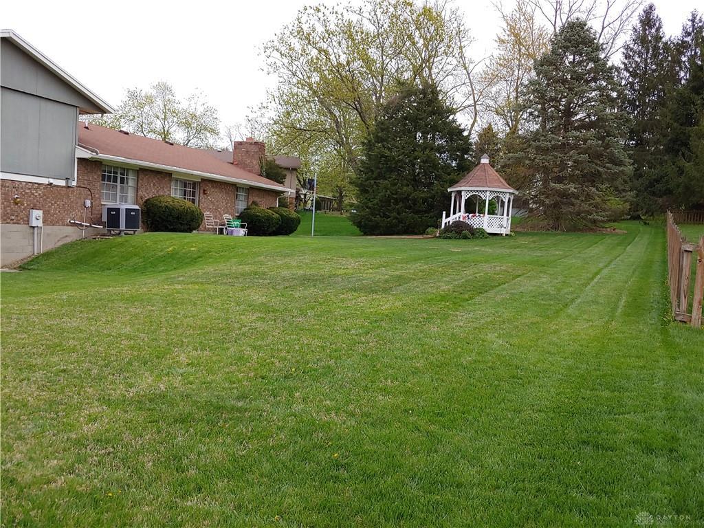 Photo 3 for 3685 Blythewood Dr Beavercreek, OH 45430