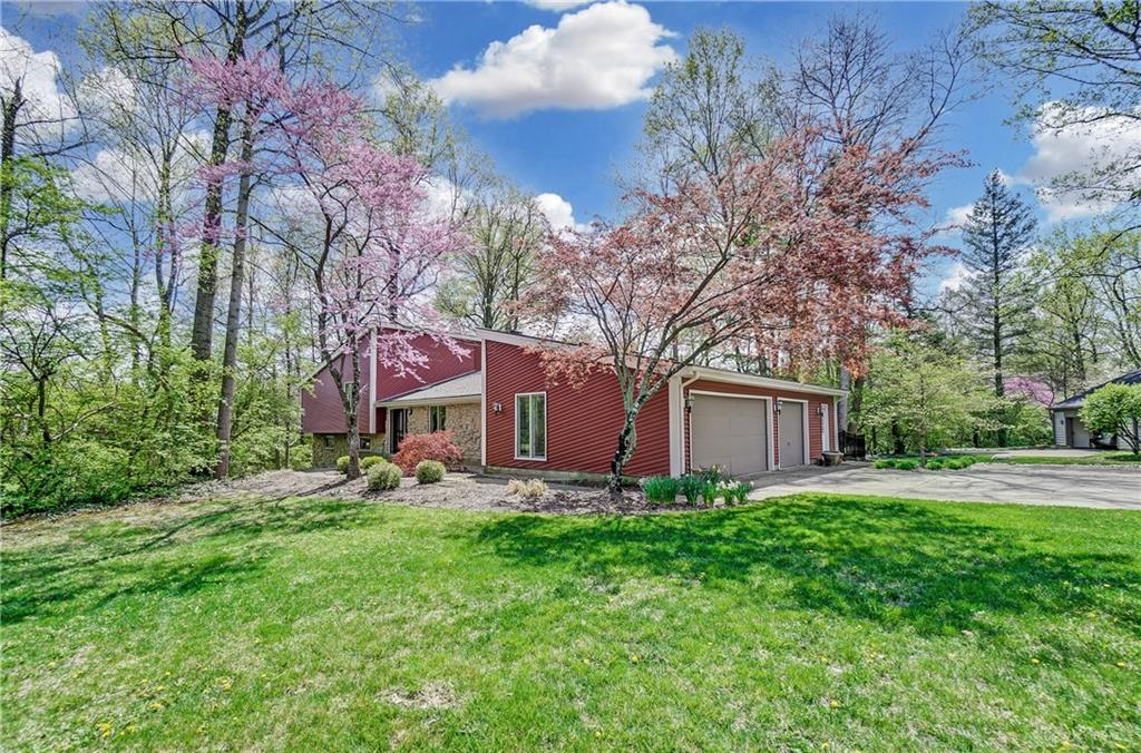 Photo 3 for 300 Deerpark Cir Kettering, OH 45429