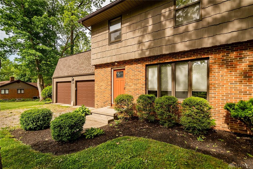 Photo 3 for 229 Oak Dr West Liberty, OH 43357