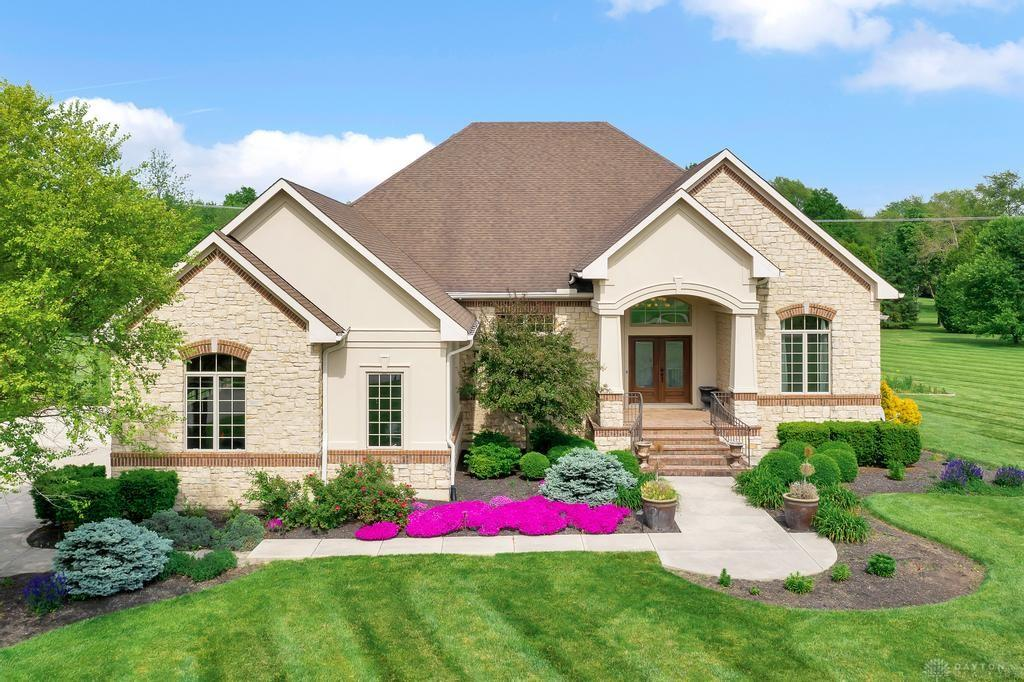 2960 Pine View Dr Spring Valley, OH