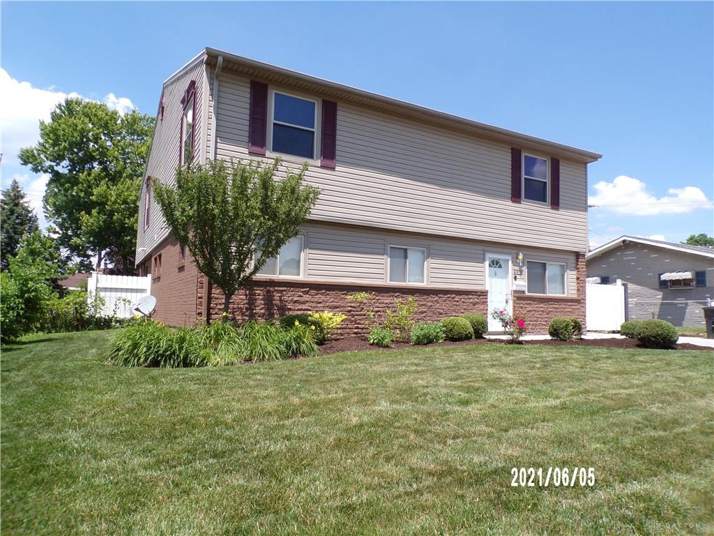 Photo 3 for 4825 Vanguard Ave Jefferson Township, OH 45417