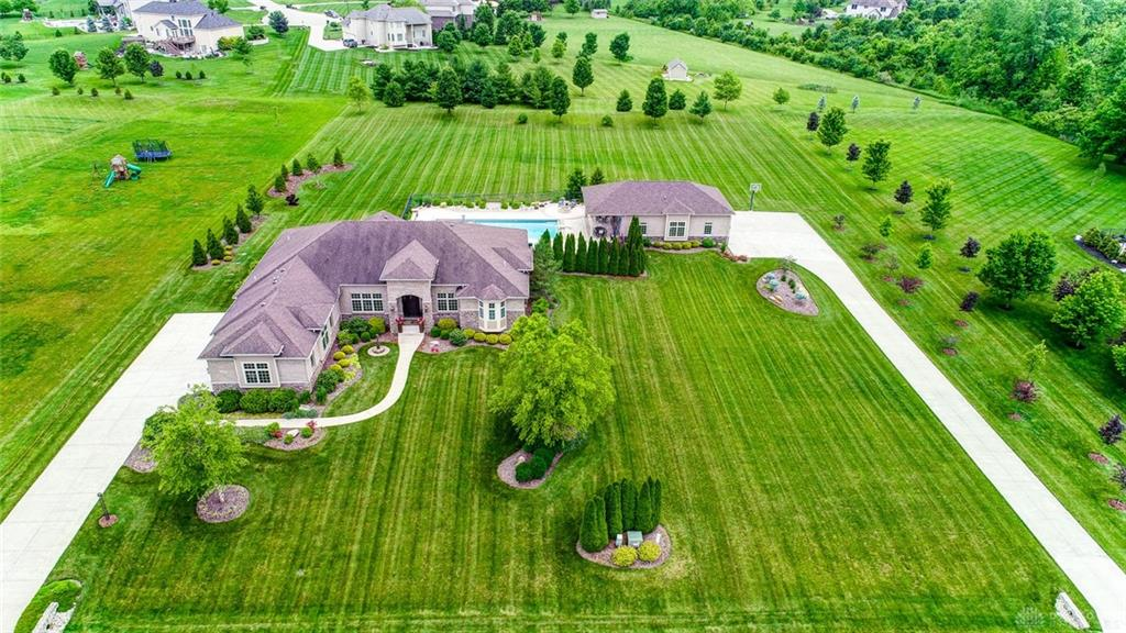 1767 Grand Cypress Blvd Clearcreek Township, OH