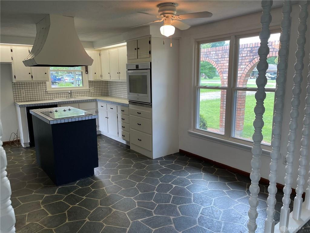 Photo 3 for 2171 Meadow Ln Arcanum, OH 45304