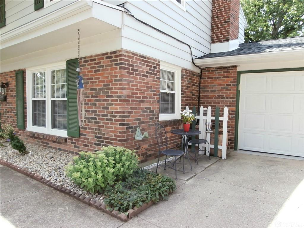 Photo 2 for 1078 Crestview Dr Troy, OH 45373