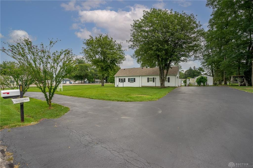 Photo 3 for 4450 Needmore Rd Dayton, OH 45424