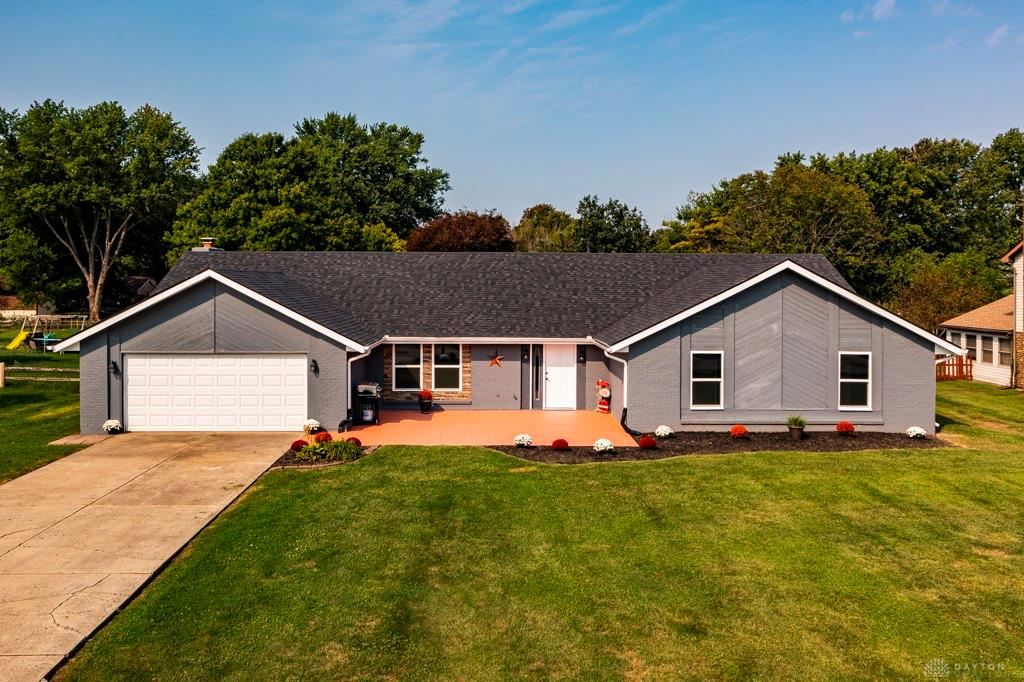 1059 Meadow Lark Dr Enon, OH
