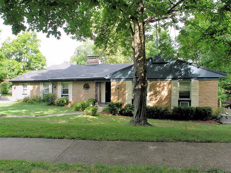 real estate photo 1 for 1048 Lawton Rd Park Hills, KY 41011