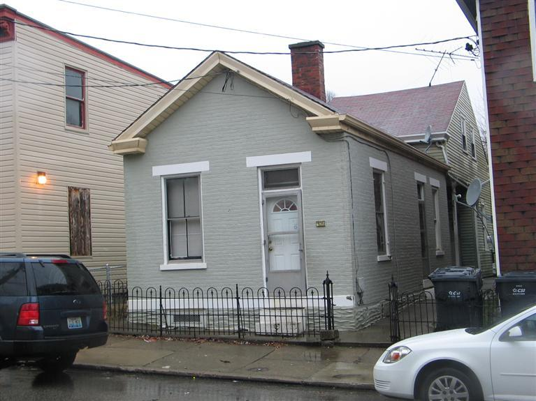 real estate photo 1 for 642 W 12th St Covington, KY 41011