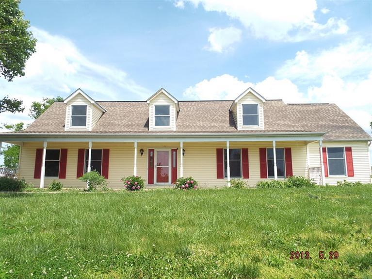 real estate photo 1 for 7005 Stewartsville Rd Williamstown, KY 41097