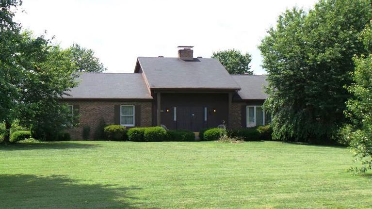 real estate photo 1 for 3061 Miller Ct Burlington, KY 41005