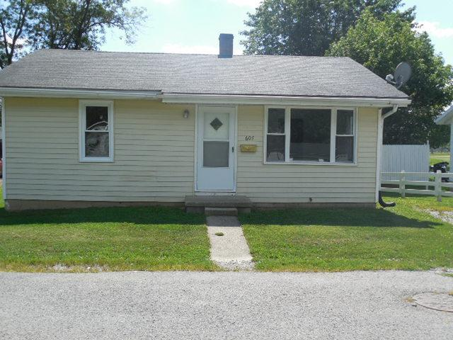real estate photo 1 for 607 Woolery St Falmouth, KY 41040