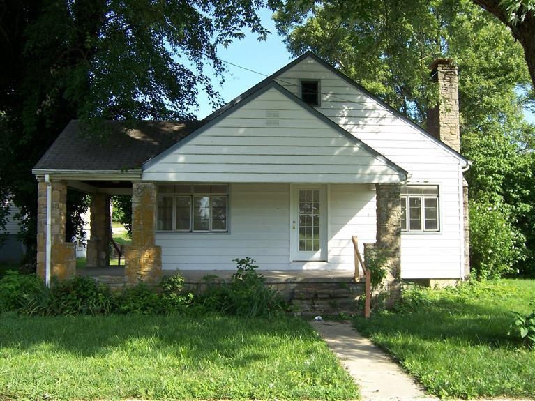 real estate photo 1 for 4008 Main St Mentor, KY 41007