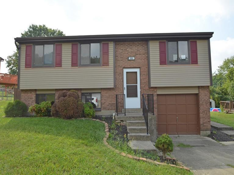 real estate photo 1 for 323 Brookwood Dr Alexandria, KY 41001