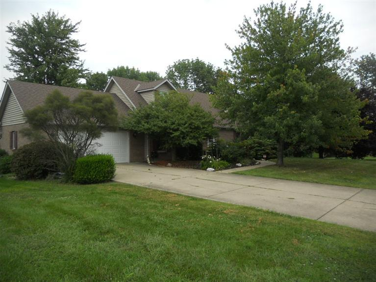 2906 Fawn Dr