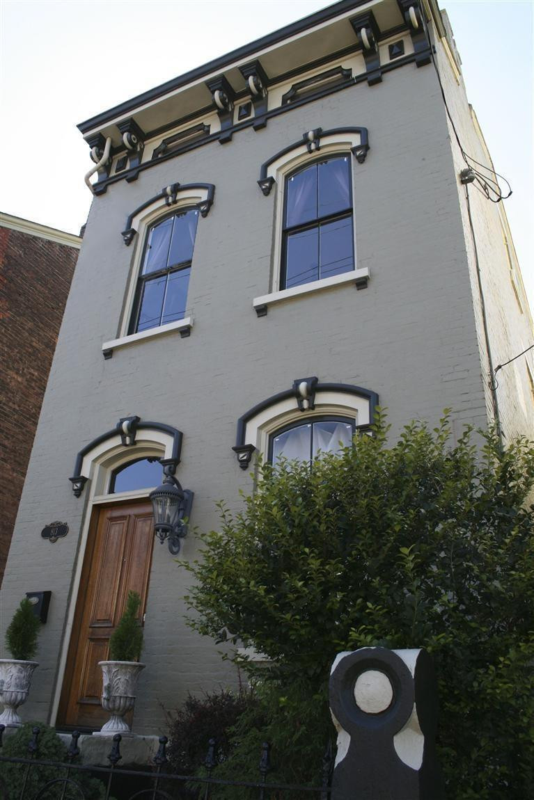 real estate photo 1 for 813 Main St Covington, KY 41011