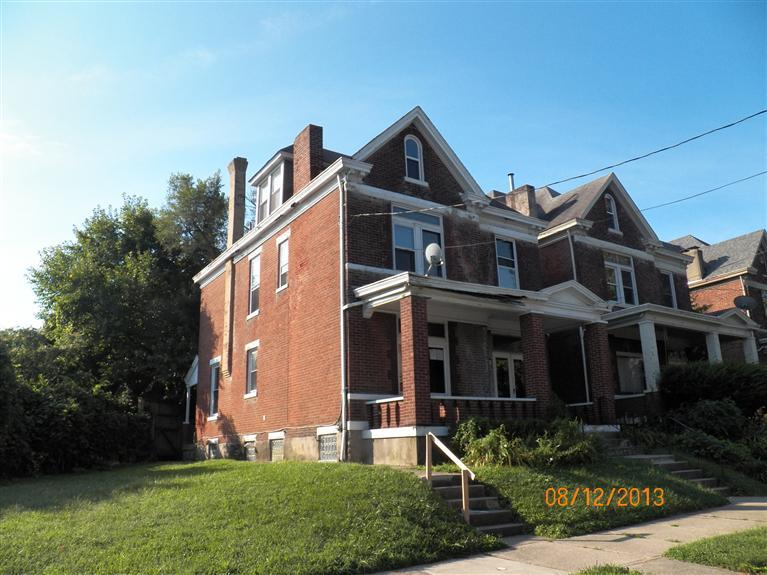 real estate photo 1 for 642 E 3rd St Newport, KY 41071