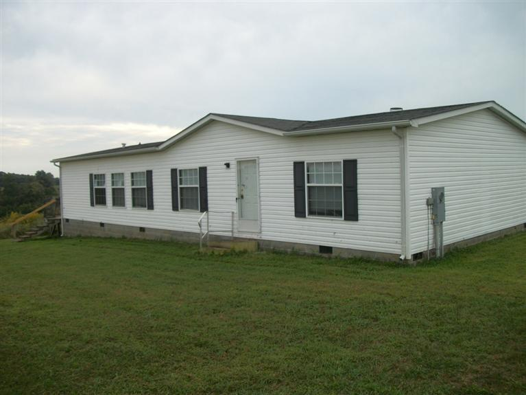 real estate photo 1 for 74 Kalb Ln Brooksville, KY 41004