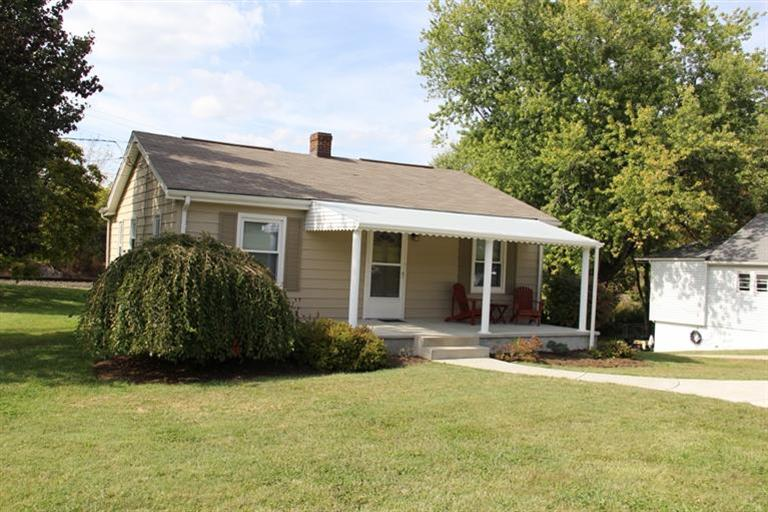 real estate photo 1 for 220 Old Nicholson Rd Walton, KY 41094