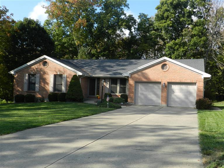 real estate photo 1 for 826 Elizabeth Dr Florence, KY 41042