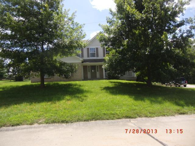 real estate photo 1 for 7026 Glade Ln Florence, KY 41042