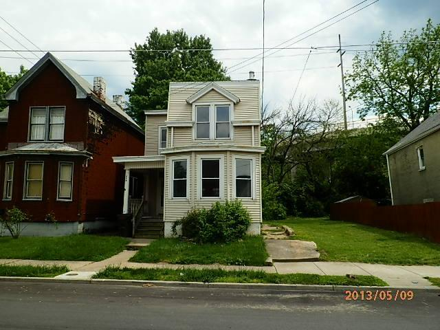 real estate photo 1 for 204 W 12th St Newport, KY 41071