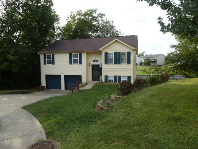 real estate photo 1 for 12 Woodbury Ln Alexandria, KY 41001