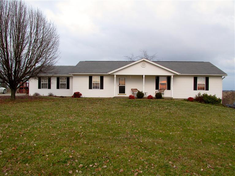 real estate photo 1 for 7001 Stewartsville Rd Williamstown, KY 41097