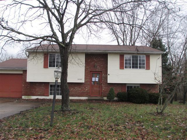 real estate photo 1 for 3040 Featherstone Dr Burlington, KY 41005