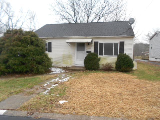 real estate photo 1 for 111 Sanders Dr Florence, KY 41042